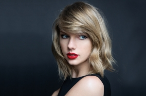 do-no-reuse-taylor-swift-the-beat-bb36-sarah-barlow-billboard-650
